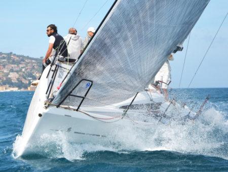 Italia Yachts 9.98 TEST